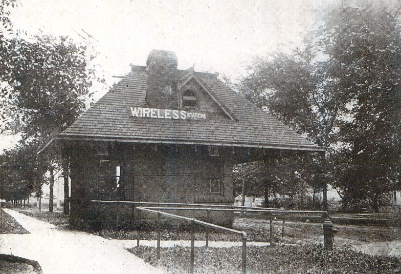 wireless station-1916