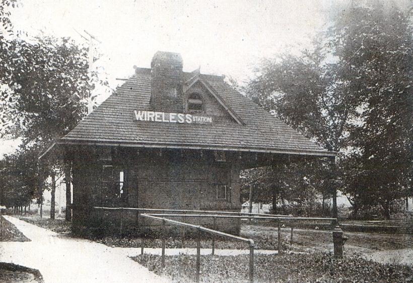 wireless station-1916